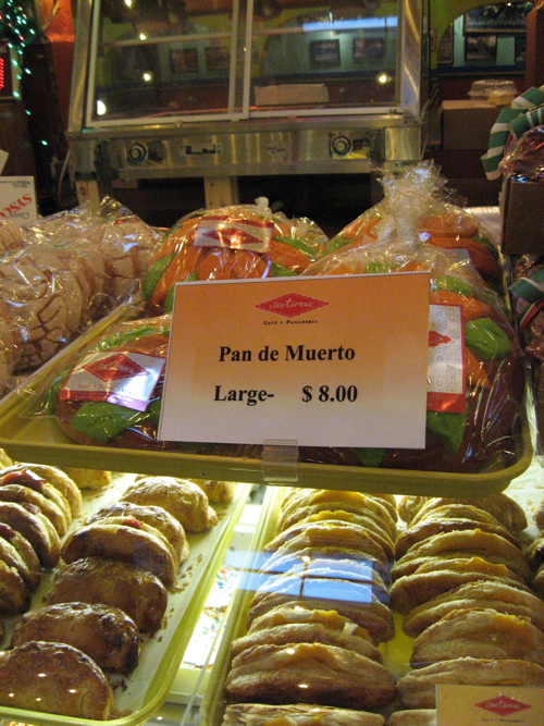 Large Pan de Muerto